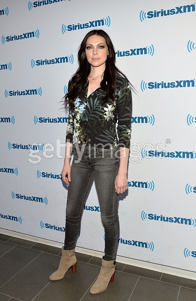 laura prepon flower sweater