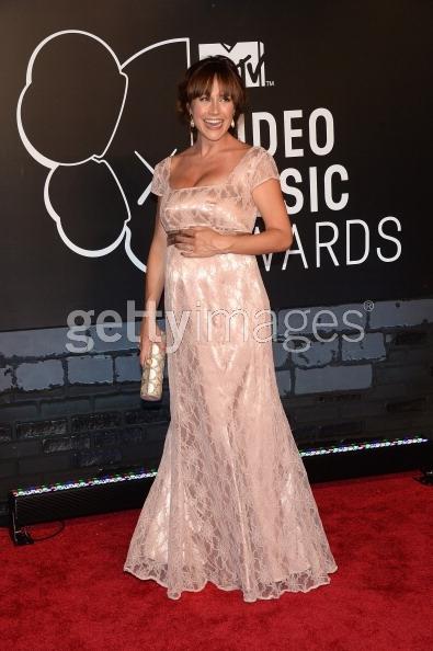 Nikki Deloach VMA in Tiffany Rose