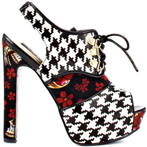 houndstooth heel iron fist
