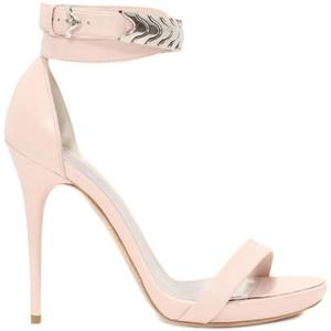 heels mcqueen